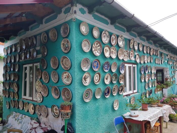 casa din satul ceramistilor