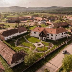 Conace şi case boiereşti din România